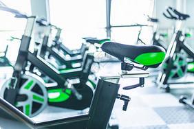 健身房单车图片