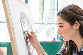 女性绘画素描图片