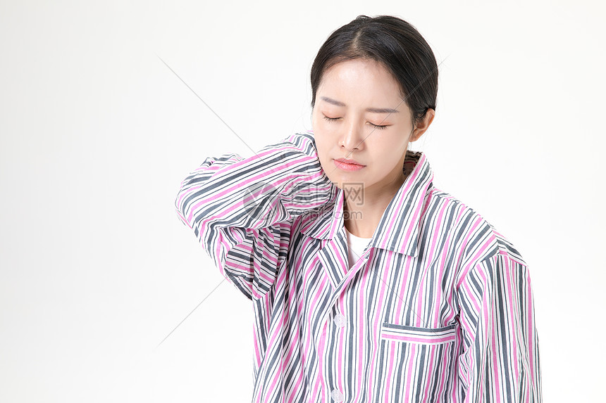 女性颈椎病图片