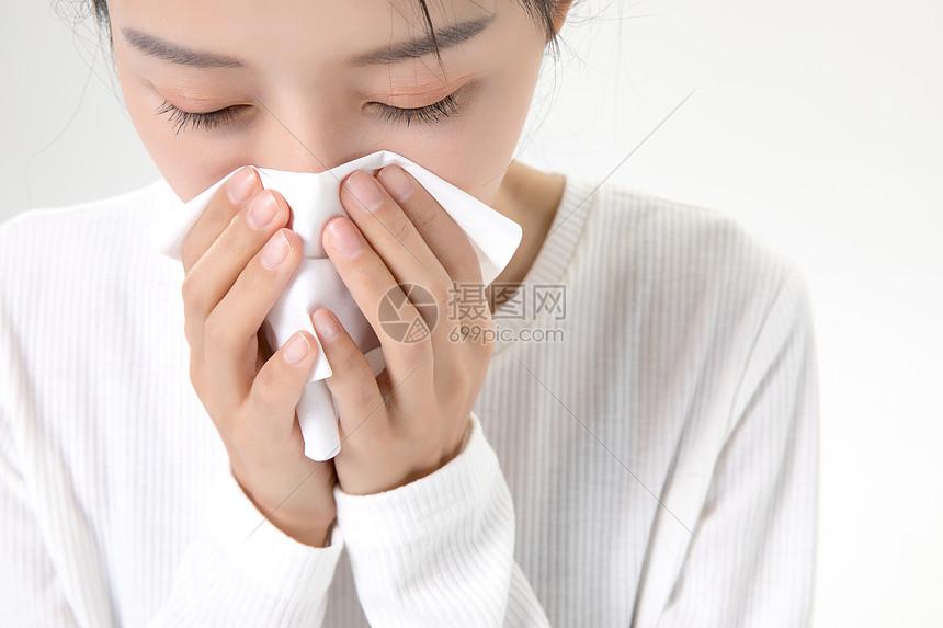 女性流鼻血感冒图片