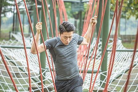男性训练营拓展挑战图片