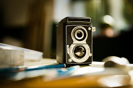 双镜头反光相机静物图片