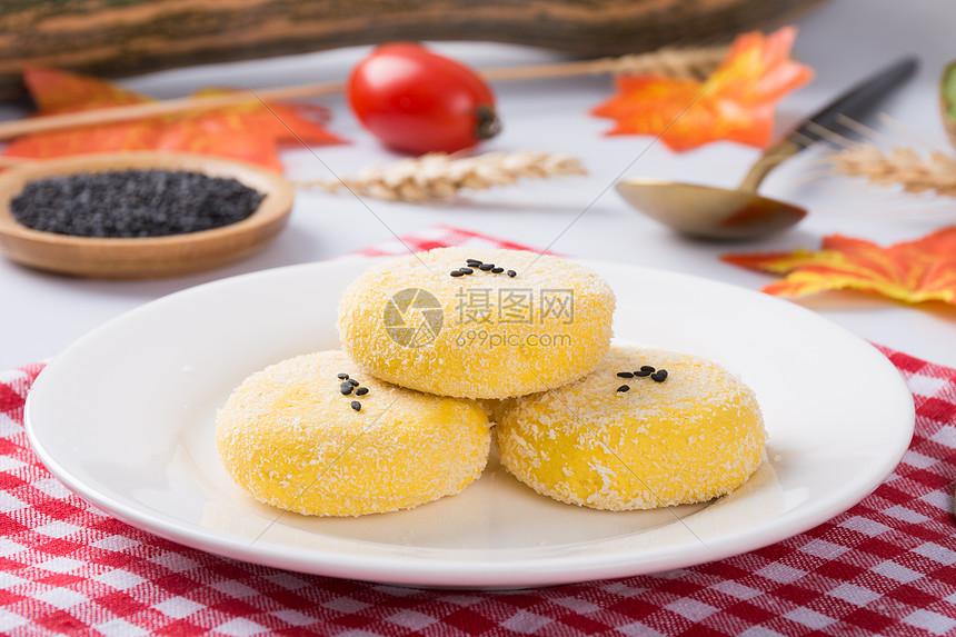 冰冻的芝麻南瓜饼图片