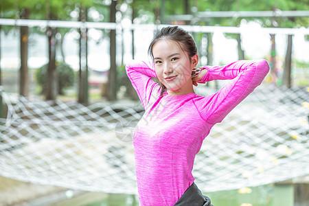 女生运动晨练图片