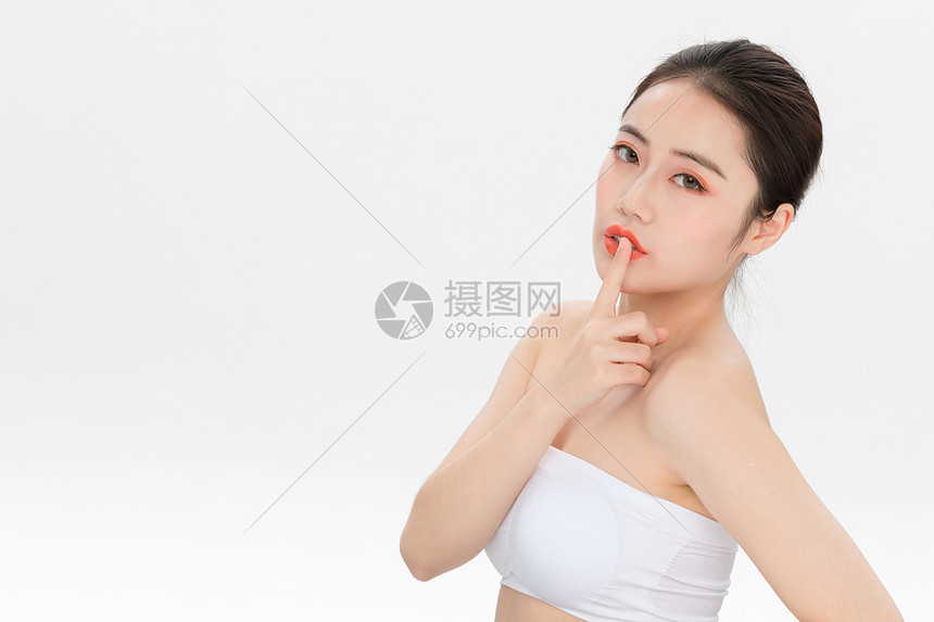 美女美容护肤动作图片