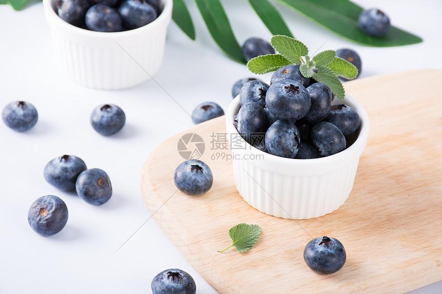 新鲜水果蓝莓图片