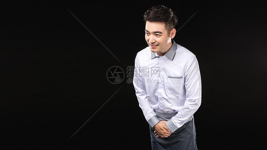 男服务生阳光服务形象图片