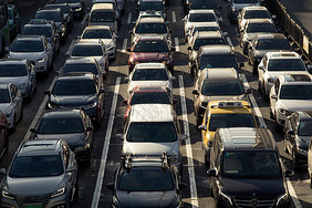 汽车交通堵车图片