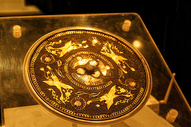 博物馆中的唐四鸾衔授金银平脱镜图片