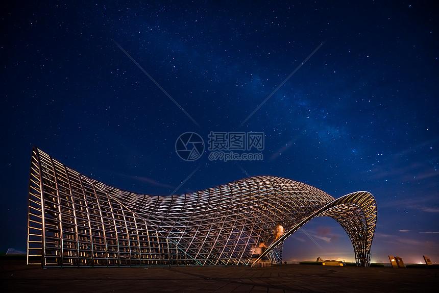 上海南汇嘴建筑星空图片