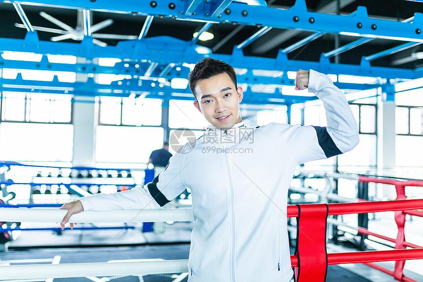 男性拳击手形象图片