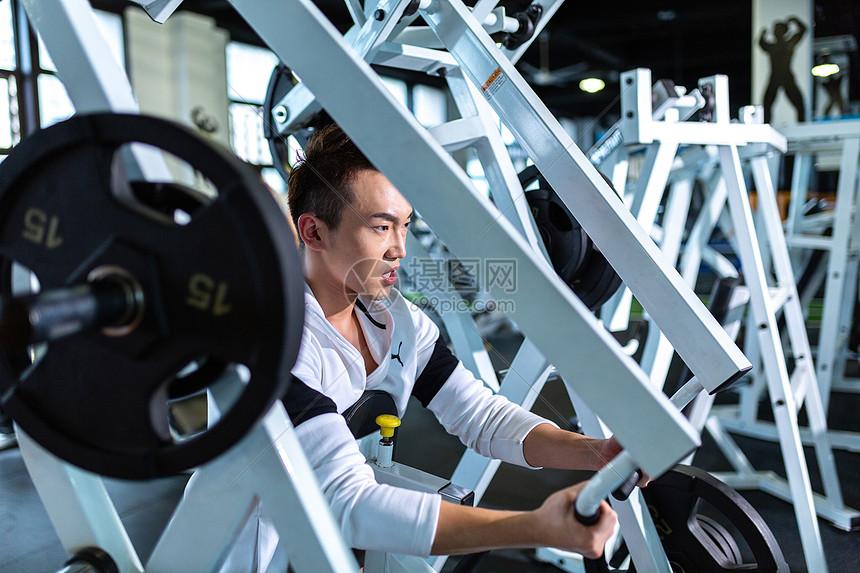健身房运动图片