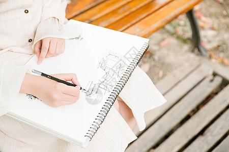青春女孩素描特写图片