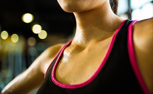 运动健身颈部特写图片