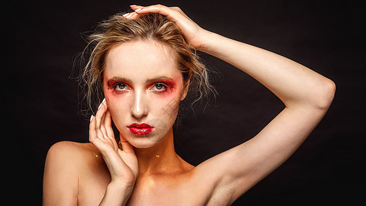 彩妆外国美女图片