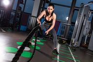 健身美女战绳训练501101620图片