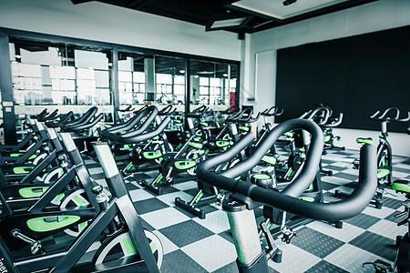 健身房动感单车图片