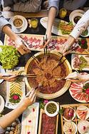 聚会吃火锅图片