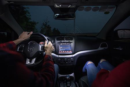 夜间开车驾驶图片