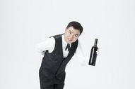 男服务员红酒图片