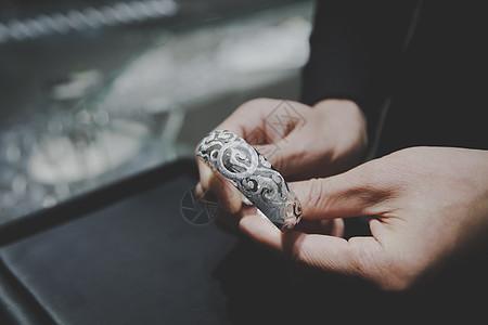 购买银首饰展示图片