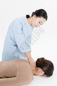 美女做spa按摩脖子图片