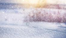冬季下雪的场景图片