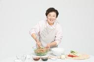 冬至老奶奶包饺子501107149图片