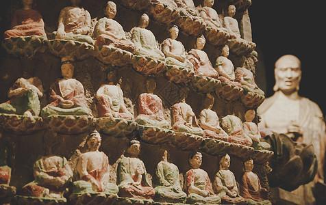 陕西西安出土唐朝佛教唐三彩雕像图片