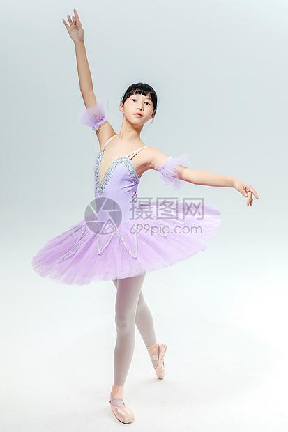 跳芭蕾的女孩图片