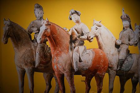 三佣骑马相图片