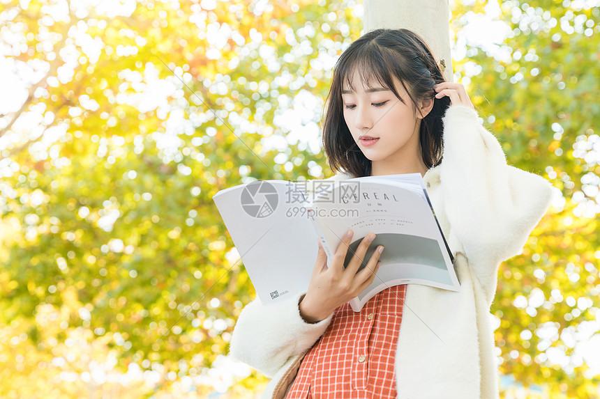 清新文艺女性图片