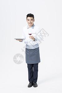男性服务员红酒图片