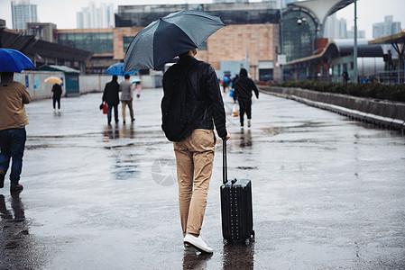 春运车站出行图片