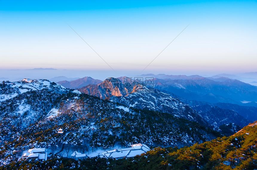 雪后黄山风光图片