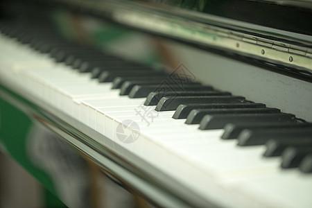 钢琴键图片