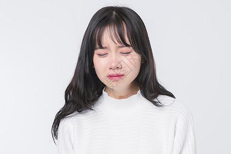 伤心哭泣的青春期少女图片
