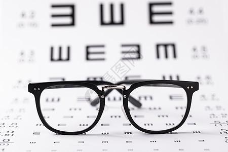 眼镜与视力表图片