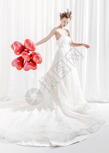婚纱美女拿着气球图片