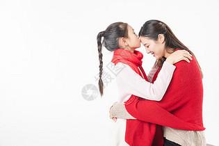 新春母女亲吻额头图片