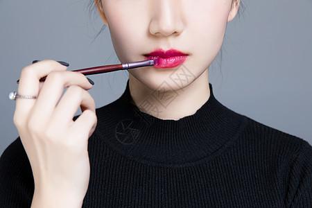 美女唇部彩妆图片