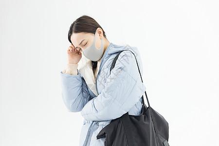 年轻女性头痛图片
