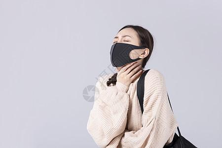 戴着口罩掐脖子的女孩图片
