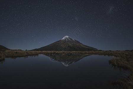 新西兰北岛Taranaki山星空图片