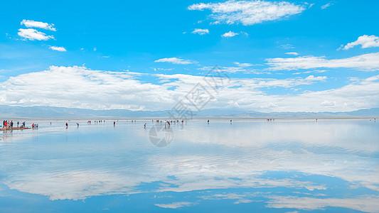 西藏茶卡盐湖图片