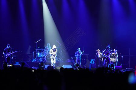 摇滚音乐节现场演出图片