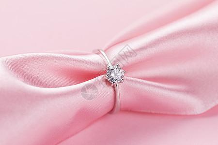 情人节丝绸戒指图片