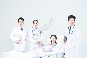 医疗团队探望病人图片