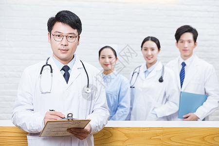 医院前台医疗团队男医生图片