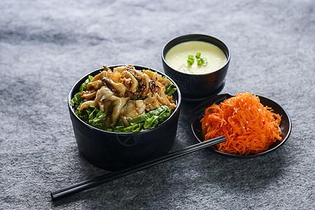 日式鱿鱼盖饭图片